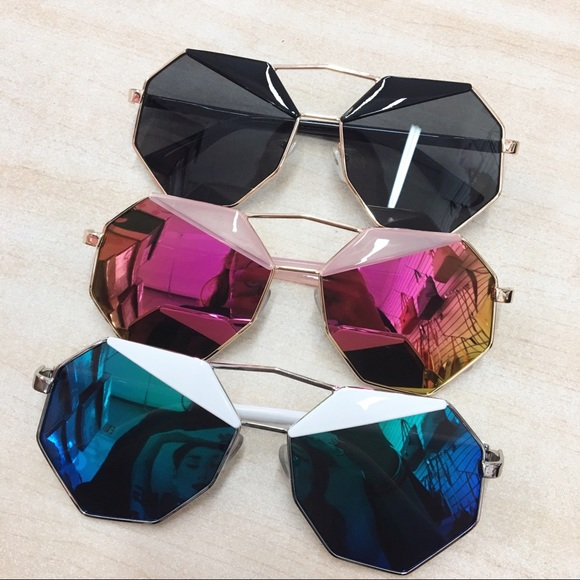 2e0593853e Accessories - Octagon mirrored sunglasses